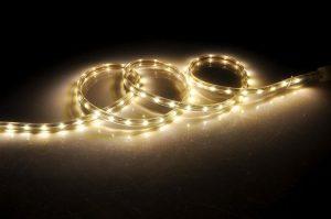 Installer un ruban led pour une lumière pilotable